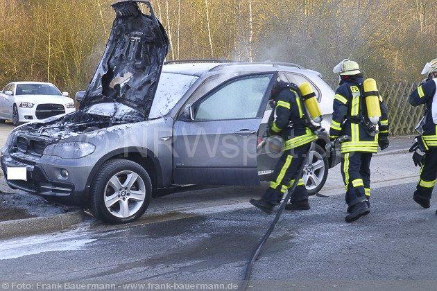 0010-pkw-brand-sporbecker-weg-26032013