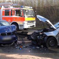 001 vu frontal gegenverkehr 4 verletzte